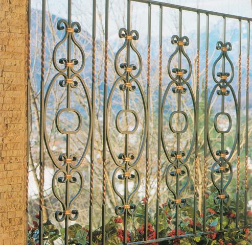 Cerrajer a madrid rejas met licas puertas vallas for Verjas para jardin