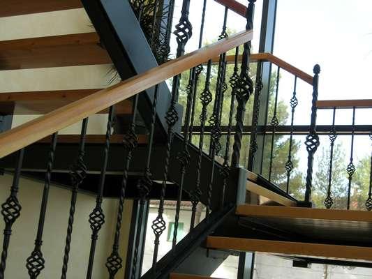 Cerrajer a madrid rejas met licas puertas vallas - Vallas para escaleras ...
