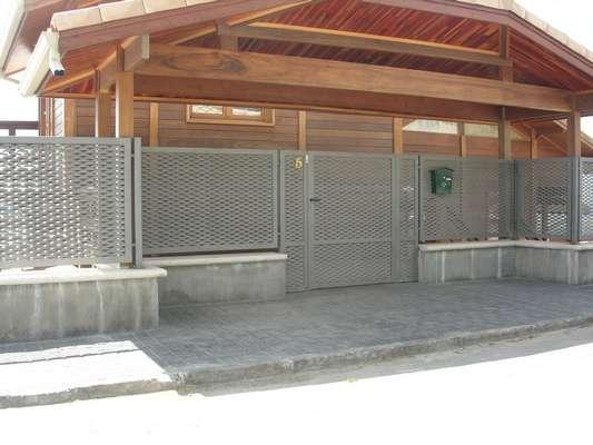 Cerrajer a madrid rejas met licas puertas vallas for Vallas metalicas para piscinas
