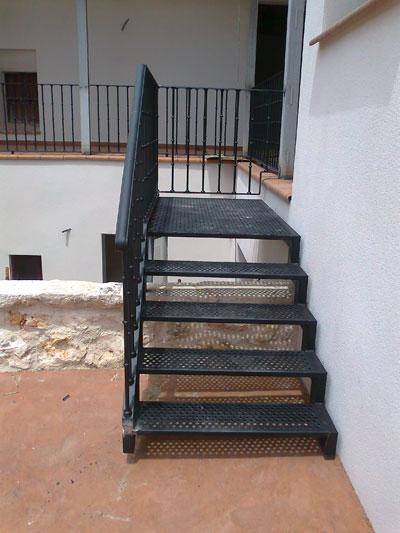 Escaleras hierro madrid a medida forja caracol emergencia - Escaleras de hierro para exterior ...